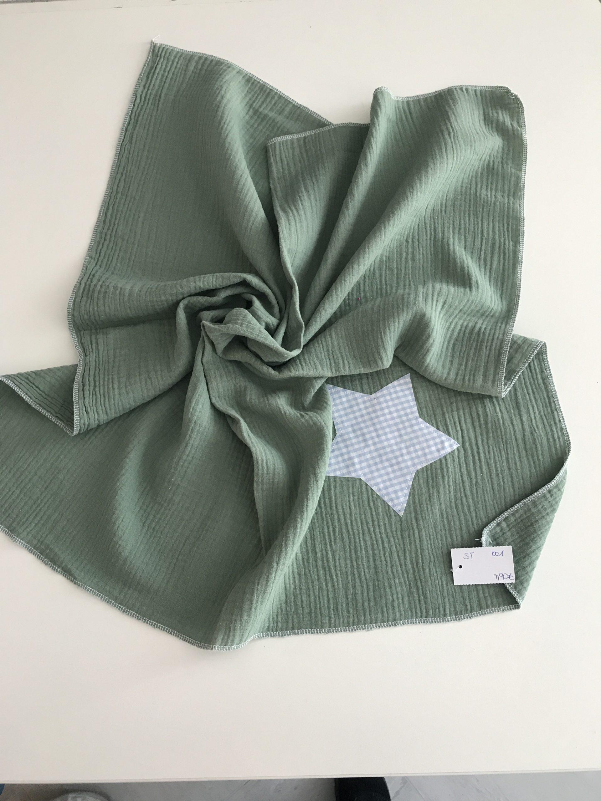 Spucktuch aus Moltonstoff ca. 65x65cm, Grün mit hellblauen KaroStern