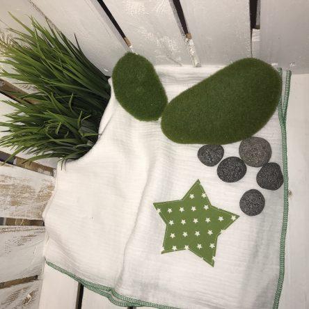 Spucktuch aus Moltonstoff ca. 65x65cm, weiß mit grünem Stern